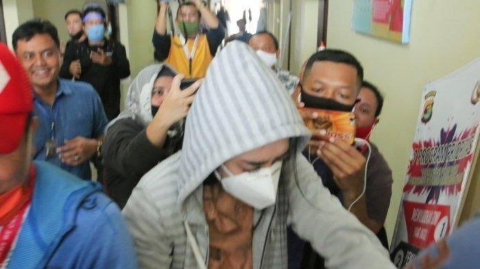 Artis ST dan MA Ditangkap Polisi, Diduga Kasus Prostitusi Online