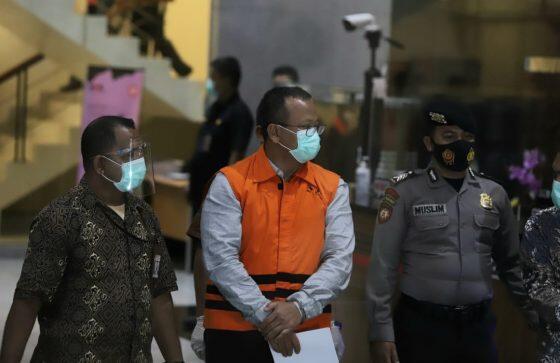 Terima Suap Rp 9,8 Miliar, Menteri Edhy Prabowo Ditetapkan Tersangka