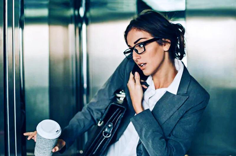 7 Tips yang Bisa Kamu Lakukan Saat Terjebak Lift