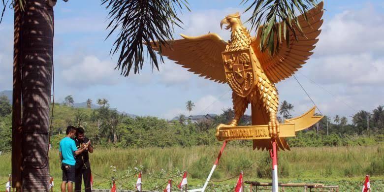 [Coc Reg. Gorontalo] Pipin Idris, Seniman Pemahat Kayu dengan Karya-Karya Legendaris