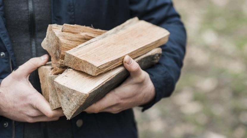 Studi Ungkap Masak dengan Kayu Sebabkan Kerusakan Paru-Paru
