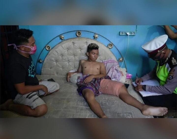Atraksi Remaja Menaikkan Roda Depan Motor Saat di Jalanan, Berujung Tragis!