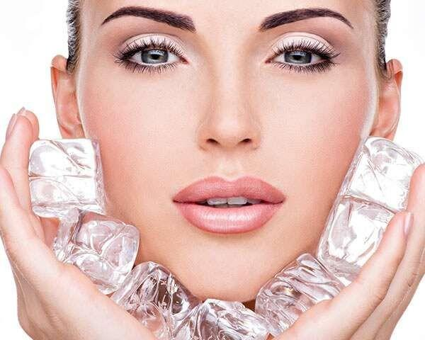 Girls, Yuk, Intip 6 Manfaat Es Batu Untuk Kecantikan!