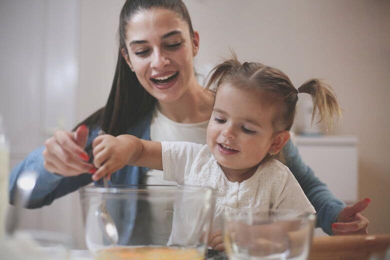Kerja Gak Bingung, Ada Babysitter Siap Membantu!
