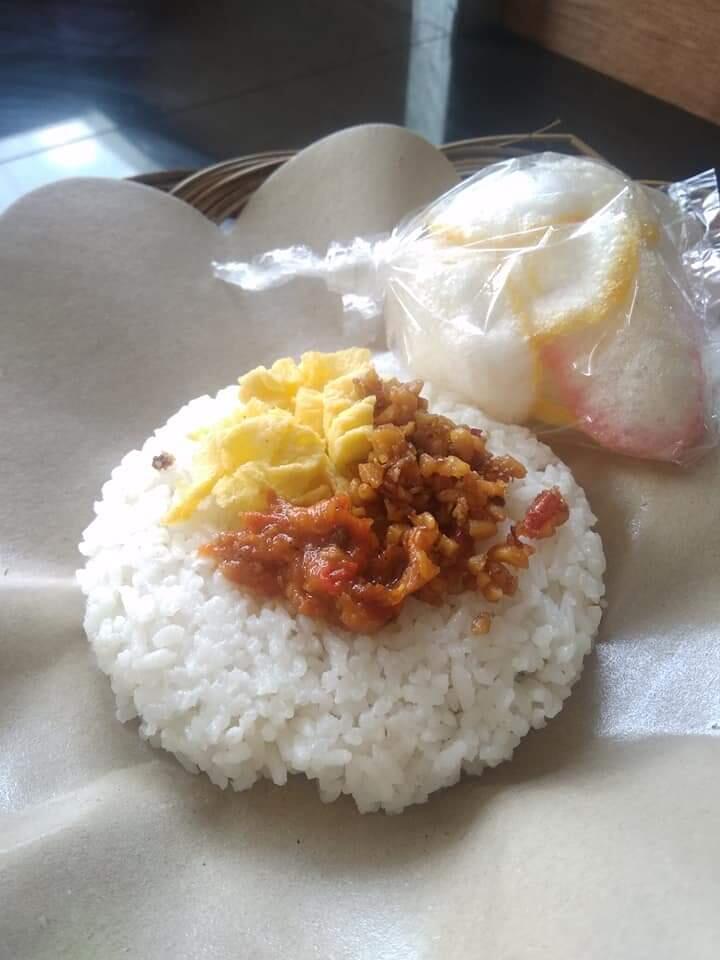Hanya di Cafe Wangi and Studio Nasi goreng, Nasi Bakar, Nasi Gurih seharga 3k saja!