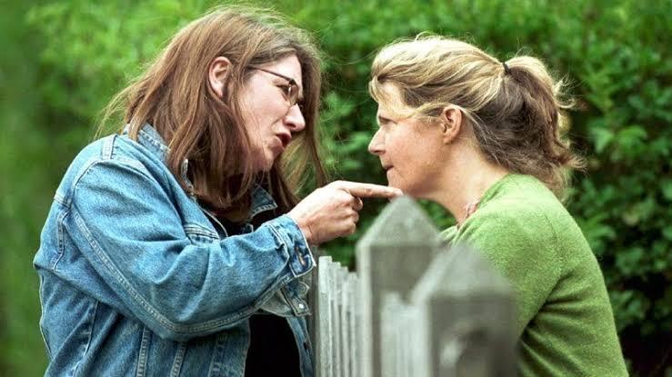 Tetangga Menjadi Toxic Ibu Rumah Tangga, Ini Dia Tips Mengahadapinya!
