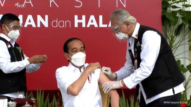 Jokowi Usai Divaksin Corona: Enggak Terasa Sama Sekali