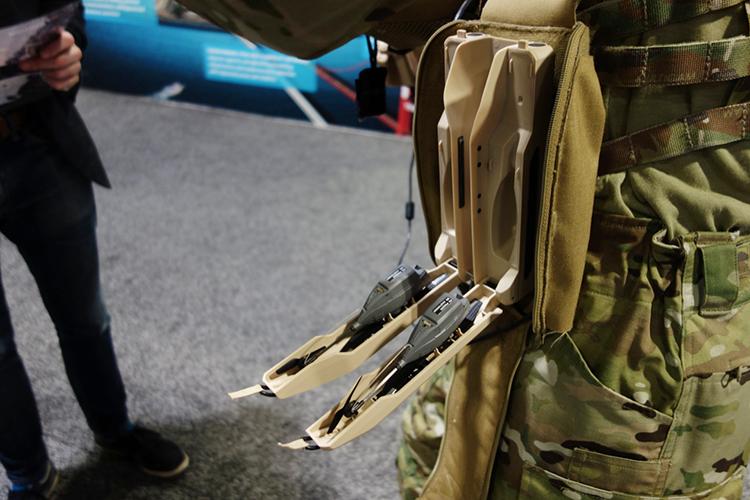 Black Hornet - Meski Terlihat Seperti Mainan, Drone Ini Jadi Andalan Para Tentara