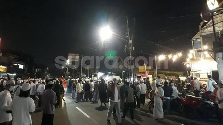 Pelayat Habib Ali bin Assegaf Berdatangan Malam Ini, Lalin di Tebet Macet