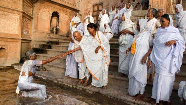 Nasib Tragis dan Tradisi Untuk Para Janda Di India