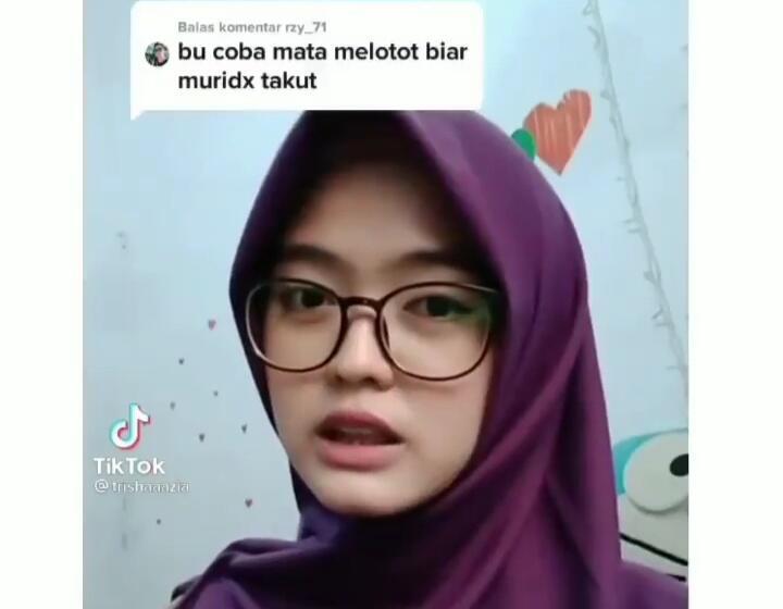 Viral Bu Guru Cantik Ditantang Melotot Biar Murid Takut! Netizen; Malah Bikin Cinta