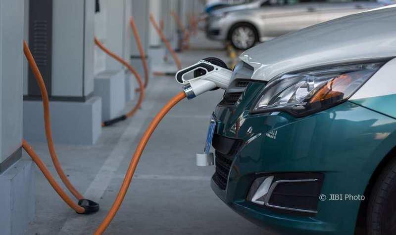 Mobil listrik Buat Indonesia! Apakah Kuat Bertahan?