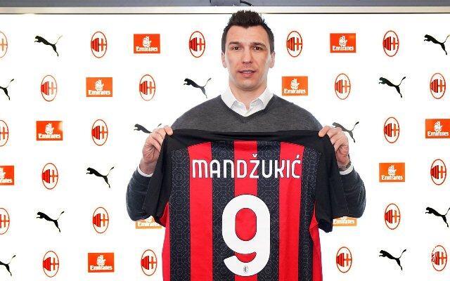 Punya Dua Striker Gaek, AC Milan Masih Menjadi Tim Paling Muda