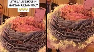Viral! Wanita Ini Dapat Hadiah Bucket Uang 80 Juta Rupiah, Pacarnya Sultan?