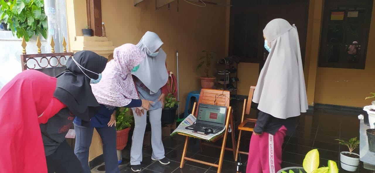 Mahasiswa UNDIP Bina Ibu Rumah Tangga & Usaha Kecil ...