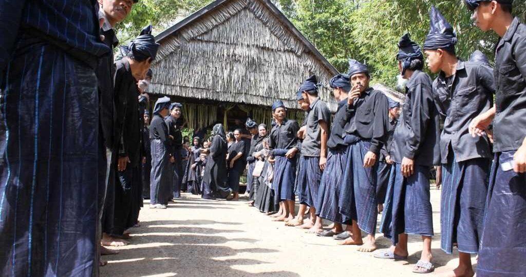 """""""Membunuh Tanpa Menyentuh"""", 5 Suku Yang Paling Ditakuti Di Indonesia"""