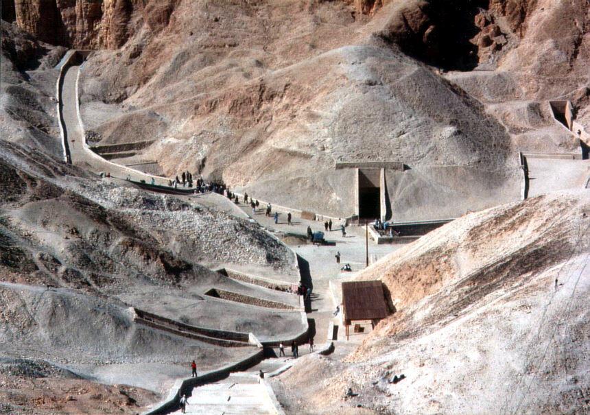 Howard Carter : Sang Penemu Makam Tutankhamun