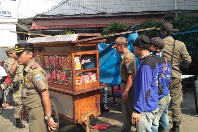 Pedagang Kaki Lima Dan Satpol PP, Tom And Jerry Dalam Dunia Nyata