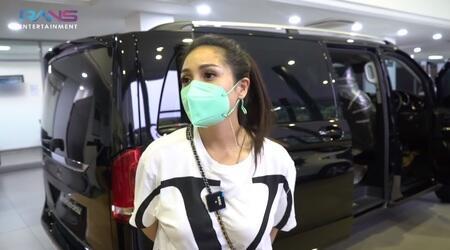 Melihat Kerennya Mobil Baru Raffi Ahmad, Mercedes Benz V 260
