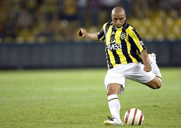 Selain Ozil, 5 Pemain Bintang Ini Mengakhiri Masa Karirnya di Fenerbahçe S.K. Turki