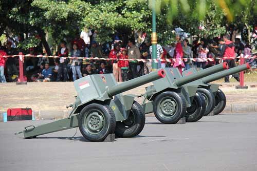 Salute Gun - Meriam yang Ditembakan Saat Upacara Peringatan Proklamasi Kemerdekaan RI