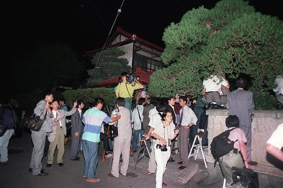 "Aum Shinrikyo : ""Panitia Hari Kiamat"" Asal Jepang"