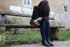 MEMILIH JOMBLO SEUMUR HIDUP : Temenku Terjebak Lubang Hitam Perasaannya