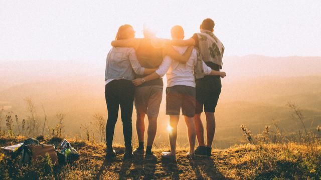 Rahasia Bikin Momen Persahabatan yang Selalu Asik ala Deddy Corbuzier & Cinta Laura