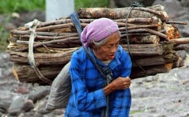 Marak Orang Tua Dituntut Hukum dan Dititipkan di Panti Jompo! Mana Bukti Bakti Anak?