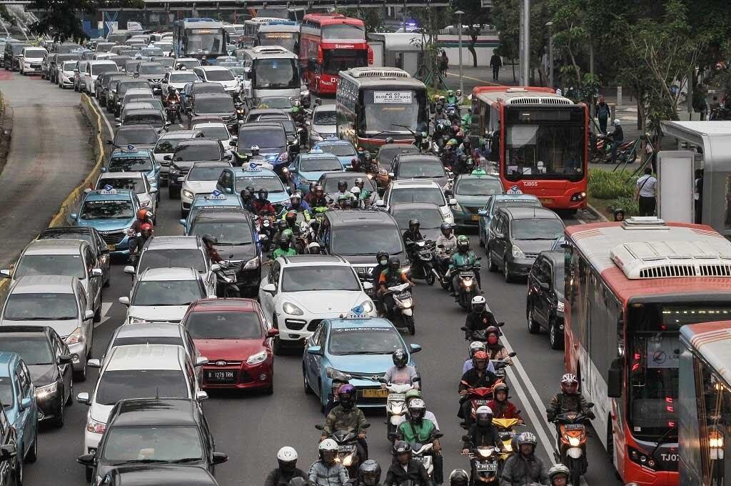 Kenali 7 Kendaraan Yang Harus Diprioritaskan Jika Sudah Berada Di Jalan