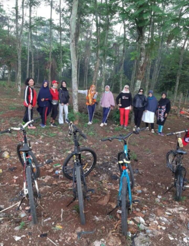Naik Sepeda Pengalaman Pertama Keliling Tiga Desa dengan Sepeda Lipat