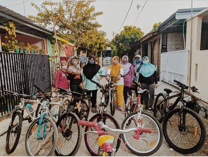 Bersepeda Bareng Emak-emak di Kala Weekend Dari Cuci Mata Hingga Me Time