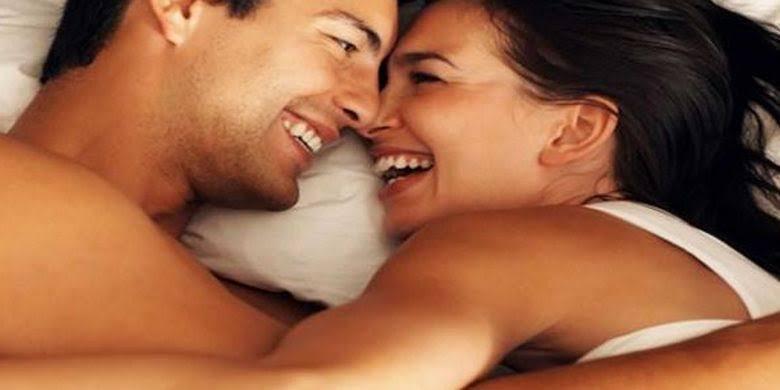 """Terlalu """"Hot"""" Di Ranjang, Pasangan Ini Mendapat Pesan Mengejutkan!"""