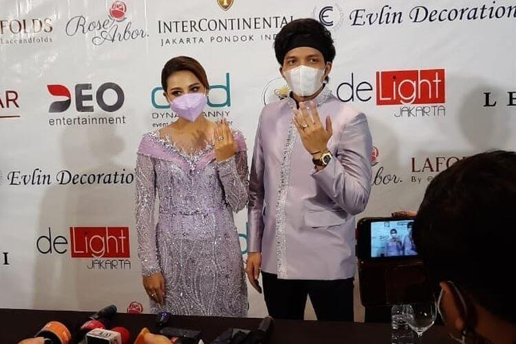 TV Tayangkan Lamaran & Pernikahan Artis di Protes, Emang Merugikan Kah?