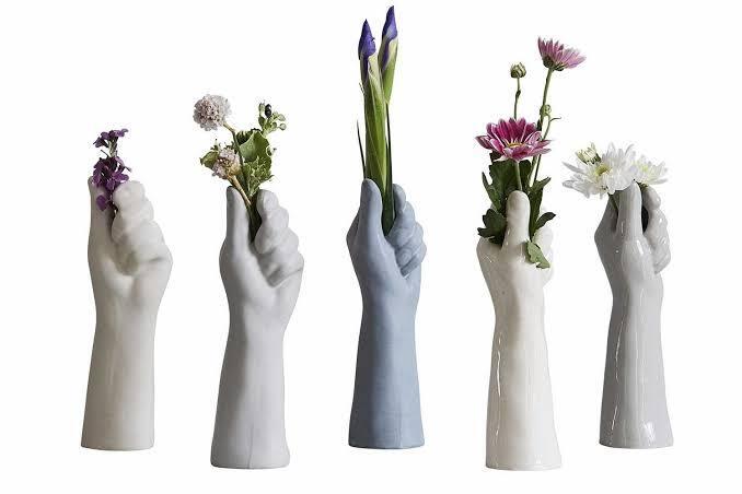 Unik & Jarang Ditemui, Berikut 10 Macam Desain Pot Bunga Menarik