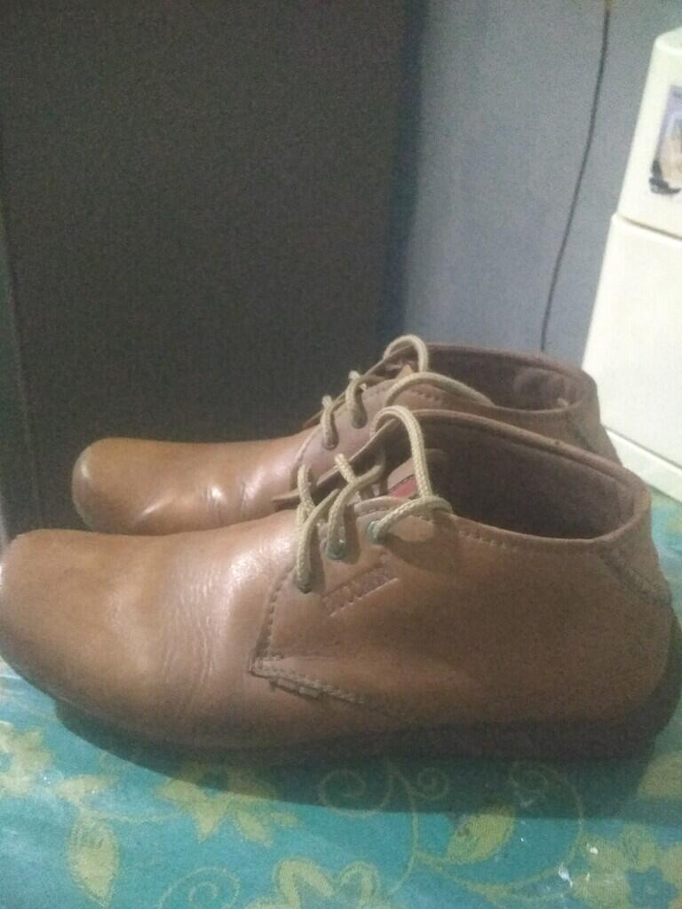 Kebiasaan Ane Memakai Sepatu Yang Itu-Itu Aja, Disetiap Berbagai Kegiatan