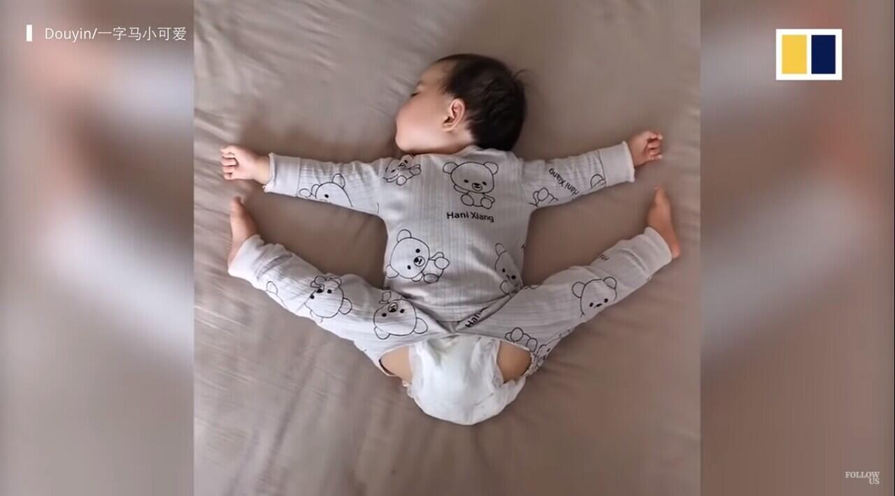 Bayi Berumur Satu Tahun Mampu Melakukan Split Dengan Sempurna