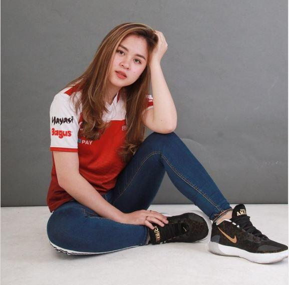 10 pro pemain cantik & OP di esports Indonesia