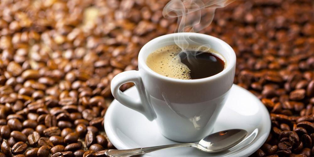 Pesayang Kopi Pilih Mana? Warkop atau Coffee Shop?