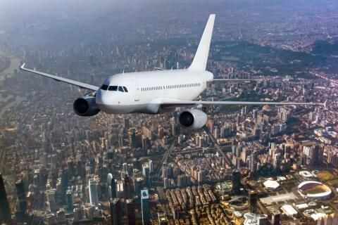 Mengapa Pesawat Komersil Tak Menyediakan Parasut Bagi Penumpangnya? Ini Alasannya!