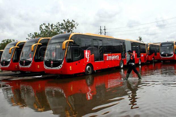 Mengulik Lebih Dekat Kisah Lorena-Karina, Bus Hijau Andalan Para Perantau