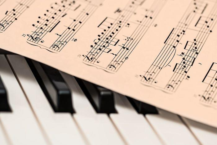 Aturan Pengelolaan Royalti Musik Bikin Pemilik Usaha Rugi, Bener Gak Sih?