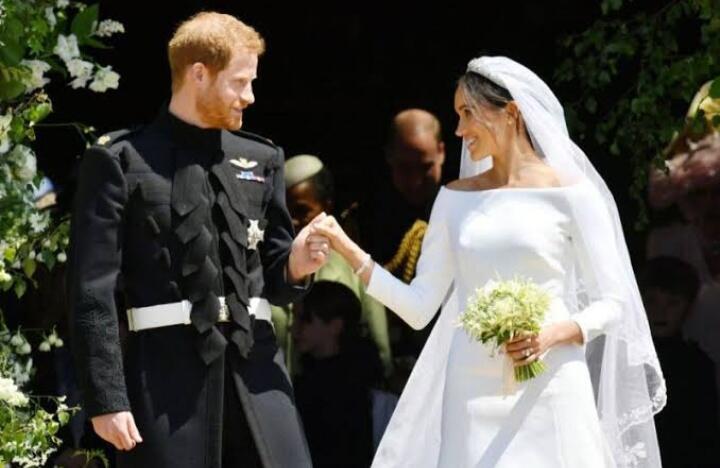 Mendadak Kaya, Wanita Ini Menjual Souvernir Pernikahan Yang Dihadirinya! Atta-Aurel?