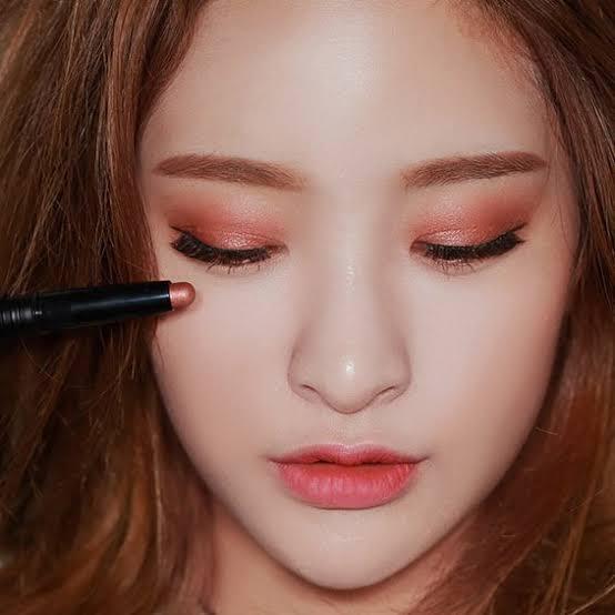 Trend Alis Serabut Ala Thailand Akankah Mengalahkan Trend makeup Korea ?