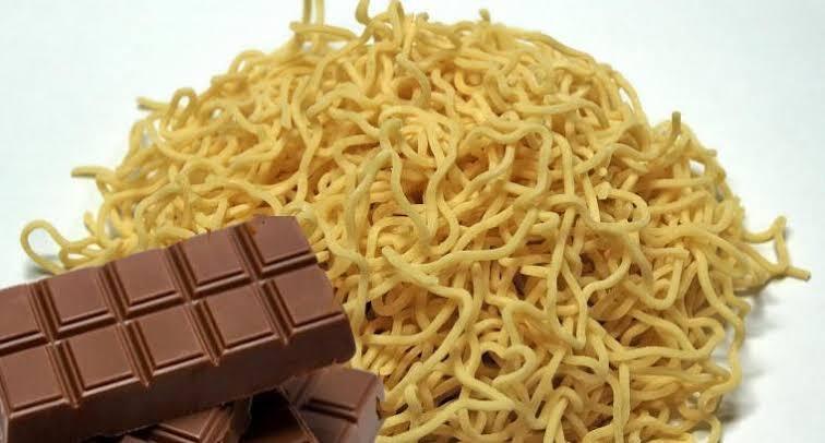 Makan Mie dan Coklat Secara Bersamaan Bisa Bikin Meninggal, Kalian Percaya?