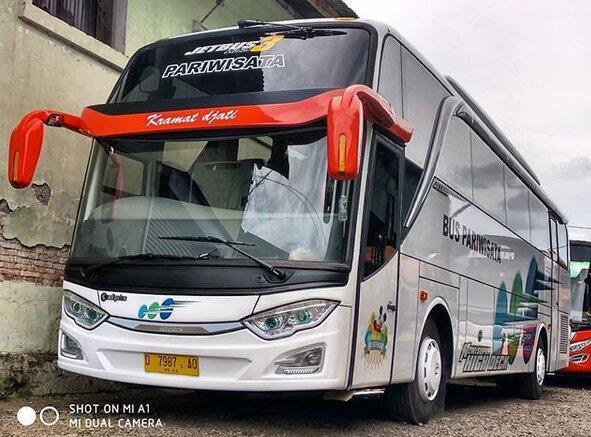 Kramat Djati, Bus Putih Nan Legendaris Pelari Lintas Sumatera Jawa Bali