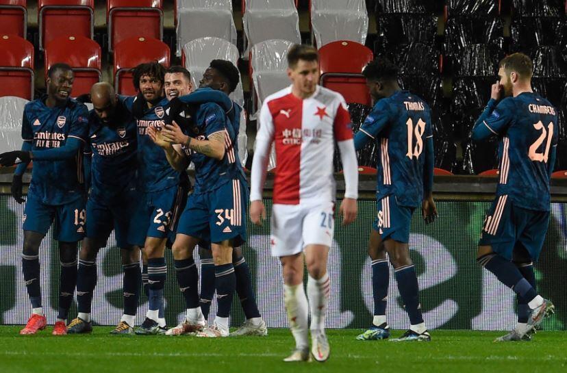 Pemandangan Kurang Enak di Laga Slavia Praha 0-4 Arsenal