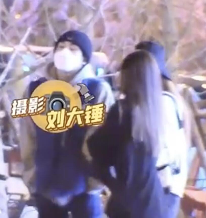 WinWin 'WayV' Ramai Jadi Perbincangan di Cina Gegara Terlihat Hangout dan Merokok