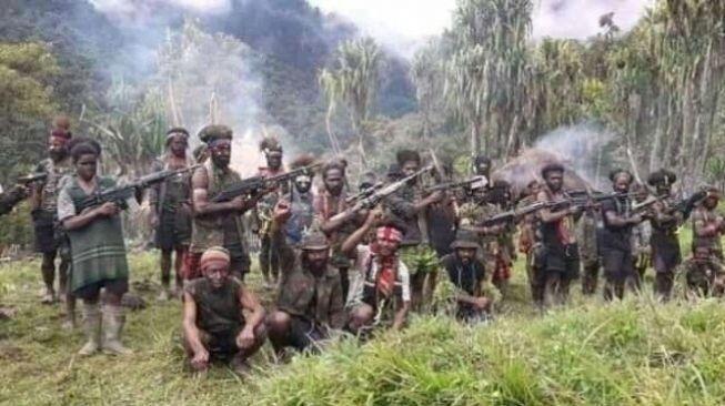 Tentara Indonesia Berkhianat, Pimpin Pasukan TPNPB Serang Pos TNI