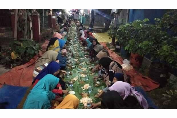 Sambut Ramadhan Dengan Mengunjungi Makam Leluhur, Tradisi Nyadran Ini Wajib Dilakukan